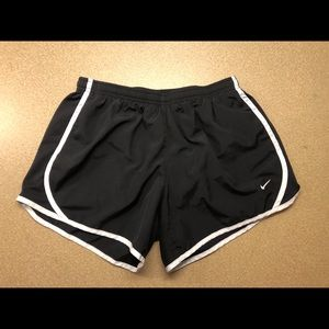 black and white nike shorts